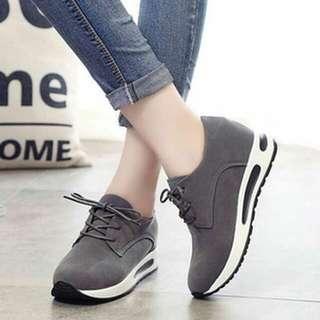 Sepatu Kets Tali Wanita