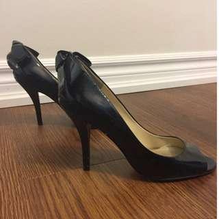 Black Enzo Angiolini heels, size 8