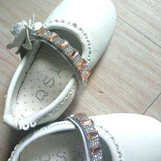 White baby girl shoes size 18