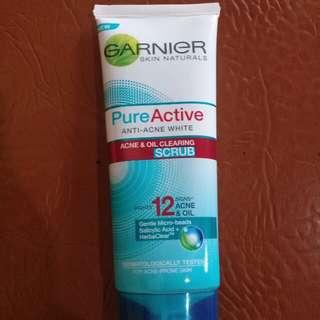 Garnier pure active scrub