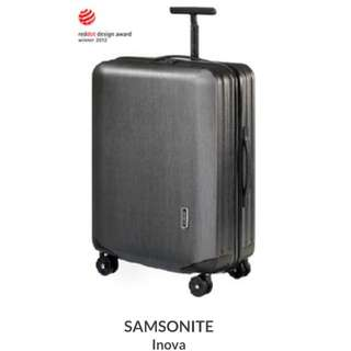 Lugguage: Samsonite Inova Spinner 30inch (Original price$4390)