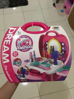 Fashion dream suitcase toys