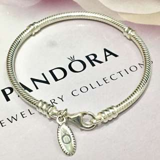 Pandora Bracelet 17cm retired ( 可配戴 Links of London charms )