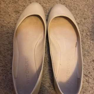 Witchery Leather Beige Flats