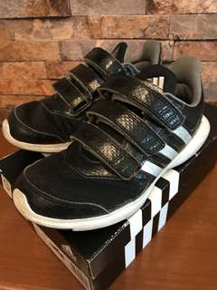 Original Adidas boy kids sport shoes