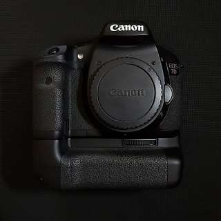 Canon 7D Mark I Body with Battery Grip BG-E7