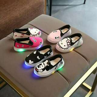 2018 Kids shoes with light