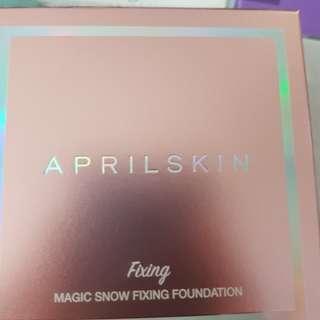 April Skin Magic Snow Fixing Foundation