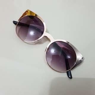 Stradivarius gold sunglassess
