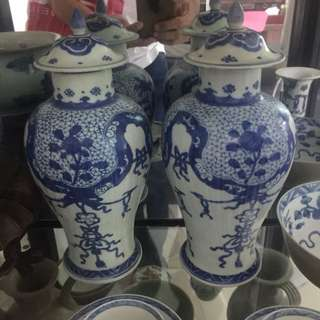 A pair of kangxi export vase for sale