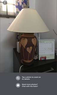 Table lamp gud condition