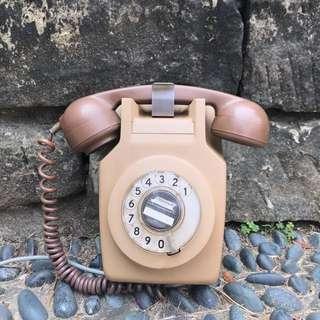 「早期壁掛轉盤電話 」  早期 古董 復古 懷舊 稀少 有緣 大同寶寶 黑松 沙士 鐵件 40年 50年