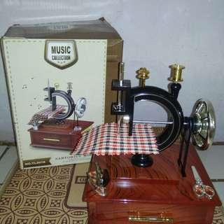 Kotak Musik Sartorius Model