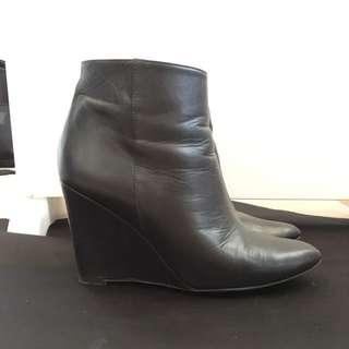 Zara Basic Black Leather Boots