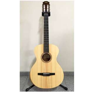 Taylor Academy Series 12-N Nylon String Grand Concert Acoustic Guitar Like New! Free Player's pack!! Martin (Reduced)