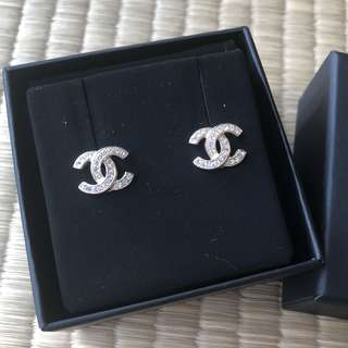 CHEAP Authentic BNIB Chanel Earrings with Receipt
