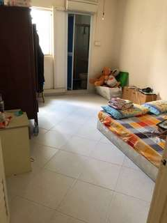Big Master bed room in spacious 3rm house-no owner-$800
