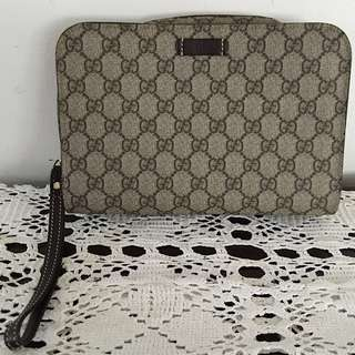 💎Authentic Gucci Unisex Grey GG Canvas Clutch Bag💎