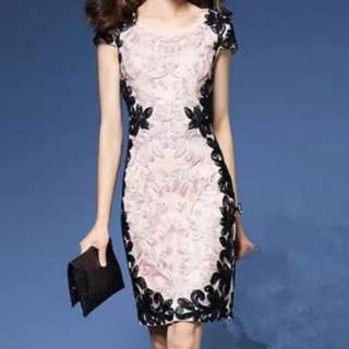 2018新款立體盤花刺繡粉色修身洋裝