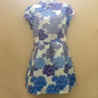 Inner Circle Modern Trendy Blue Floral Embroidered Cheongsam Qipao