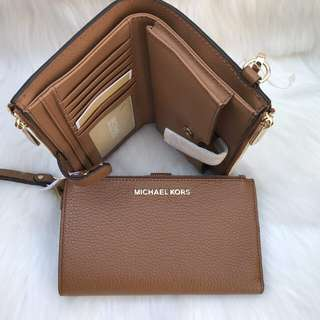 Michael Kors Double Zip Wallet in Luggage