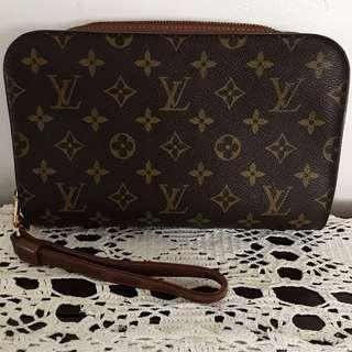 💎Authentic Louis Vuitton Unisex Monogram Clutch Bag💎
