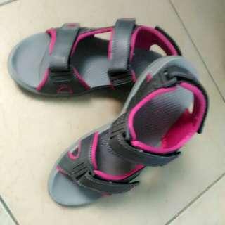 World Balance sandal
