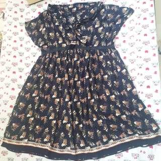 Vintage shabby dress flower print