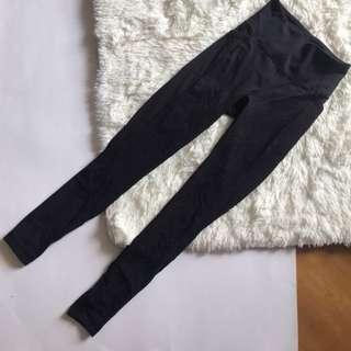 Lululemon pants leggings yoga gym travel 旅行褲