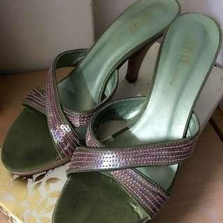 🚚 達芙妮涼鞋