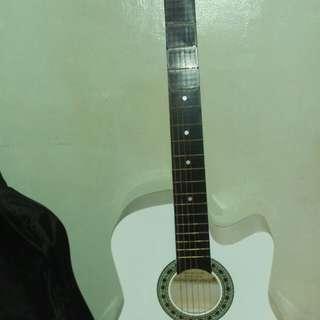 Guitar + free lalagyan