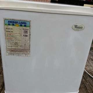 Whirlpool迷你雪櫃二手七八成新一切正常西貢區