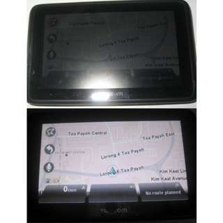 road navigation use GPS: TomTom Go