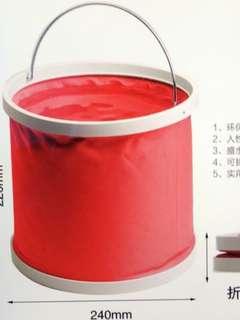 Deflatable water bucket