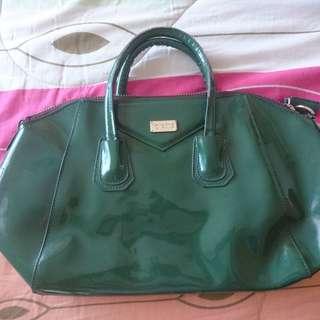 Green medium size office bag