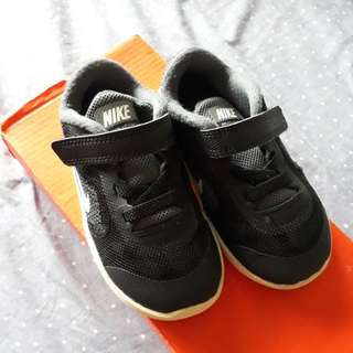 Auth Nike Shoes 7c