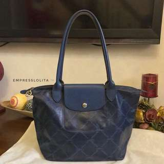 Authentic LONGCHAMP LM in Navy Medium Long Handle
