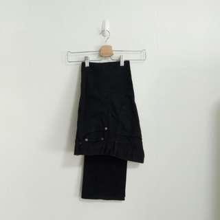 Uniqlo Slim Fit Straight Cut Black Jeans