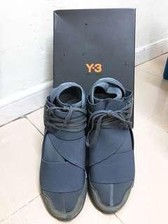 Y-3 灰色鞋