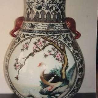 珠山八友畫瓶,高約15吋