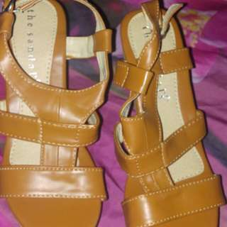 Wedges brown