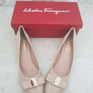 Salvatore ferragamo size 40 new