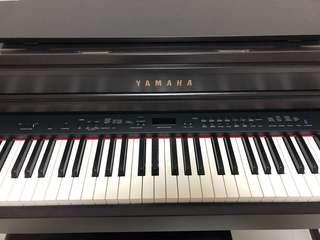 Yamaha CLP 440R Digital Piano