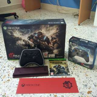 Xbox One S GOW 4 limited edition console.