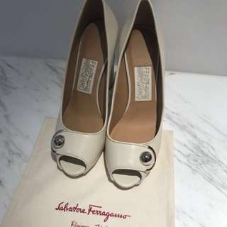 ⚠️代放Ferragamo open toe pumps