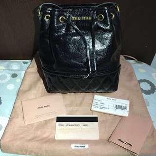 (極新) Miu Miu黑色水桶袋