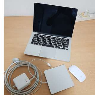 Apple Mac book pro 13.3in with USB Super Drive