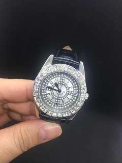 Price reduce-Women watch (25 hrs)