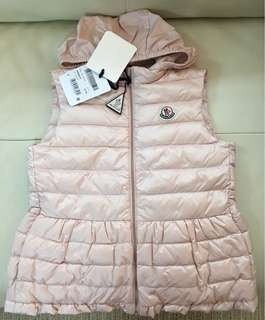 Year 12 only 全新Moncler down vest 帽可拆