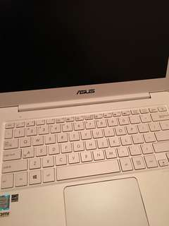 出售ASUS ZenBook UX305CA (UX305CA-FC093T)